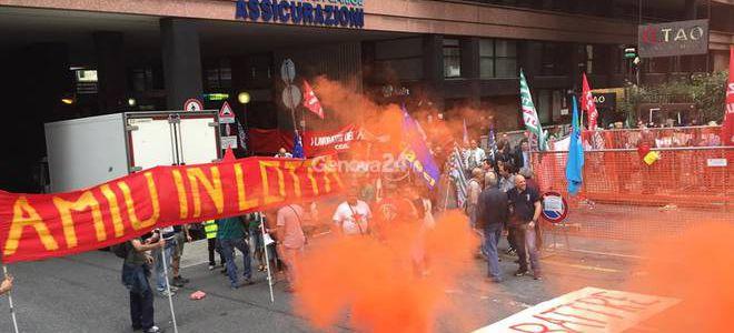 sciopero-e-corteo-dei-lavoratori-di-amiu-346595-660x368-660x300