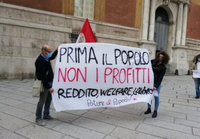 Potere al Popolo Genova in piazza. Prima il popolo, non i profitti